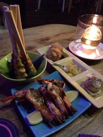 Crevettes, Trio de St Jacques, Seafood Satay
