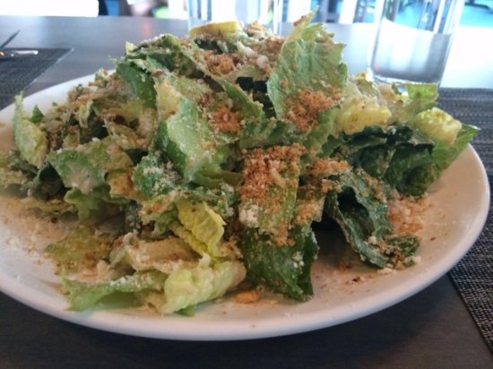 Littleton, แมสซาชูเซตส์: Caesar salad with bread crumbs