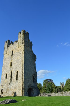 Helmsley, UK: Tower to the right.