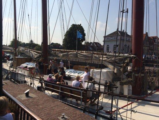 Muiden, Países Baixos: Terrasse direkt an der Schleuse !
