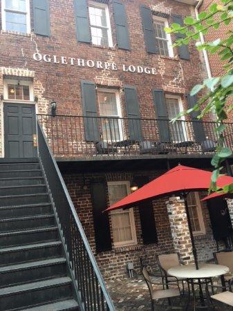 Oglethorpe Lodge: Quaint patio