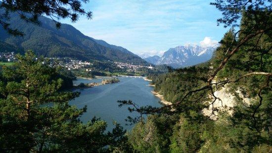 Pieve di Cadore, อิตาลี: Sentiero del Gufo e lago di Pieve