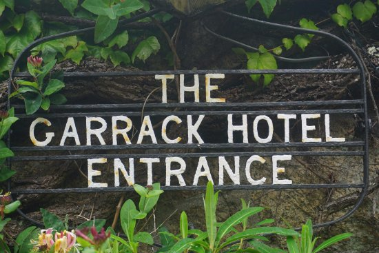 The Garrack Hotel: The sign at the front of the hotel