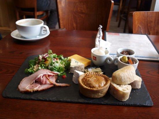 Cafe 1618: My Lunch jum jum