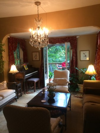 The Oaks Bed & Breakfast Photo