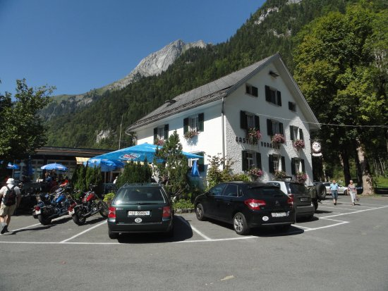 Klontal, Switzerland: PARKPLATZ
