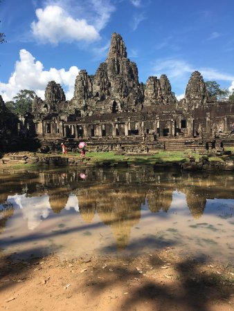 Happy Angkor Wat Tour