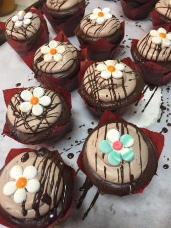 Kingston, PA: Chocolate cup cakes