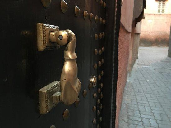 Riad Al Badia: Al Badia's door