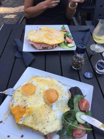 Noord-Scharwoude, Países Baixos: Lunch bij gasterij Molengroet, locatie is top alleen lunch kaart valt tegen, een paar broodjes p