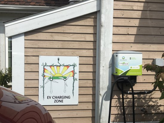 Just us coffee : Great to see the solar panels. Very much appreciate the charge for our electric car!