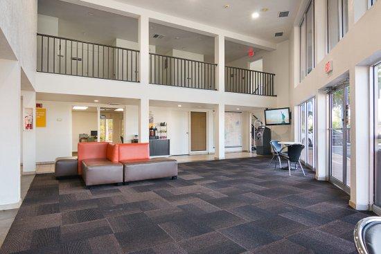 Motel 6 Tampa - Fairgrounds: Lobby