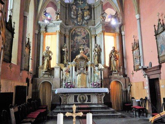 Cerknica, St. Mary's church: Main altar