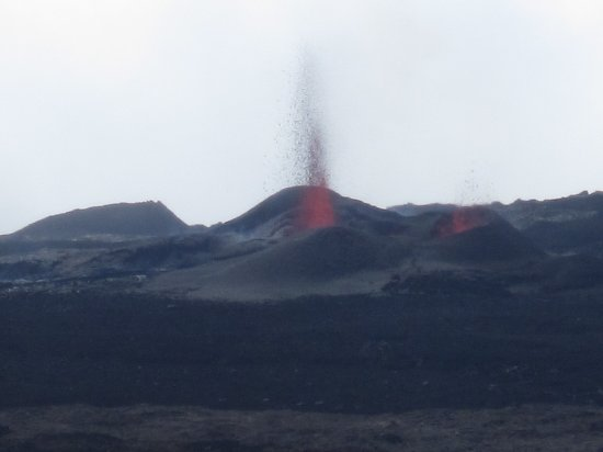 Saint-Louis, Reunion: Eruption Piton de la fournaise enclos Fouquet