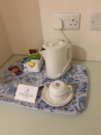 Regency Hotel: Deluxe room photos September 2016.