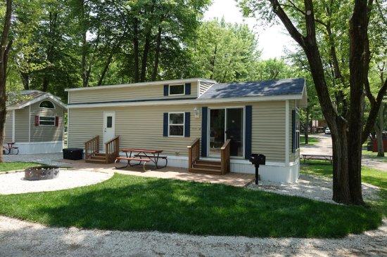 Volo, IL: Rental cabin