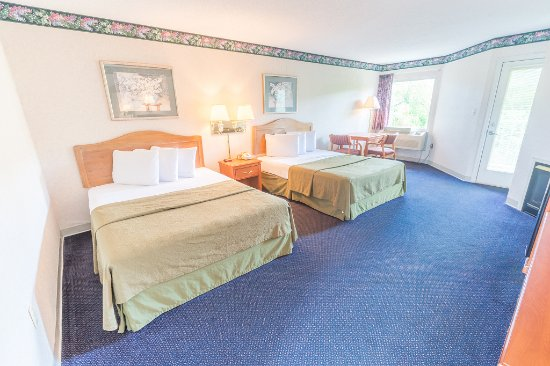 Twin Mountain Inn & Suites: Queen Room