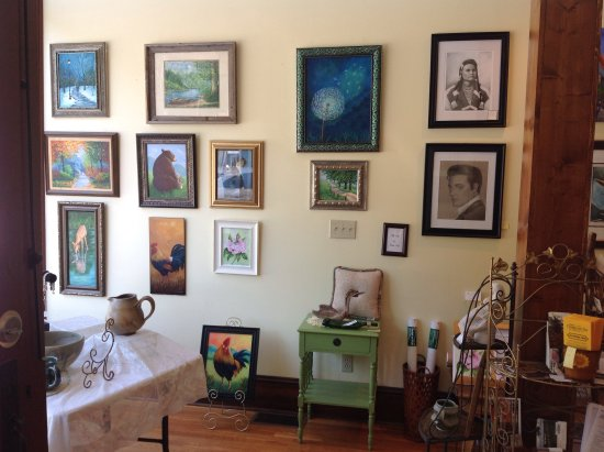 Cumberland Gap, TN: An inside view of our gallery