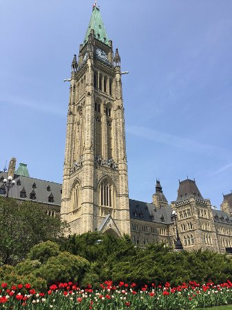Ottawa, Canadá: Peace Tower in spring time