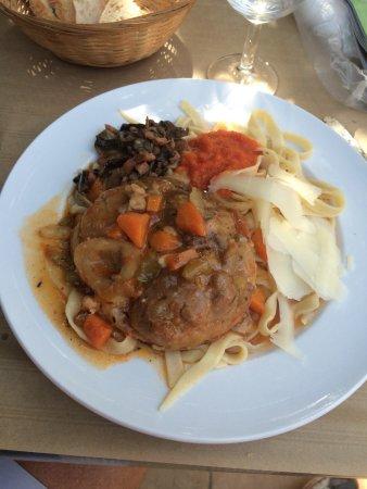 La cuisine partagee chez stella bernard uzeste for Cuisine bernard