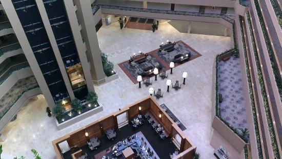 Westin Chicago Northwest : Atrium