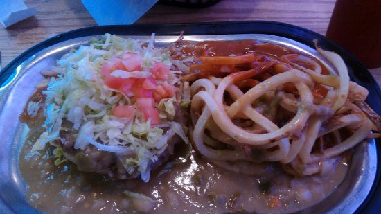 Bloomfield, NM: Open face Chile burger no cheese by my choice