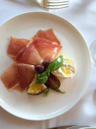 Bernardsville, NJ: Burrata With Speck