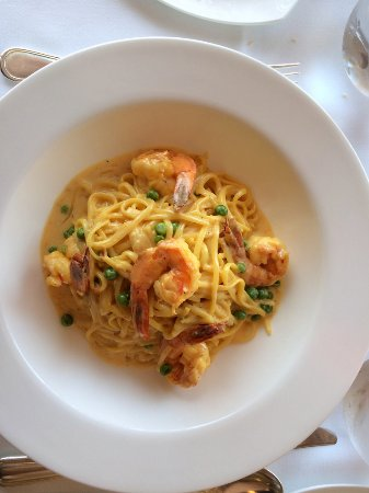 Bernardsville, NJ: Pasta With Shrimp In a Saffron Sauce
