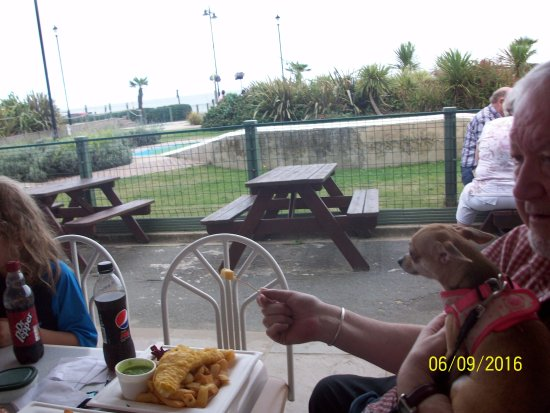 Pirates Cove - Shanklin: Food time