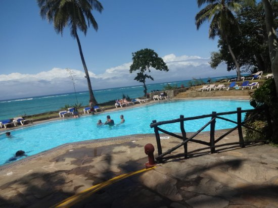 Baobab Beach Resort & Spa: One of the pools. View from Jambo bar