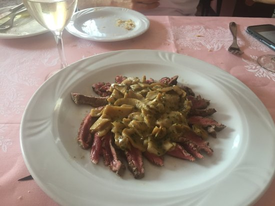 Albergo Ristorante All'Orrido: Porcini mushrooms and seared beef