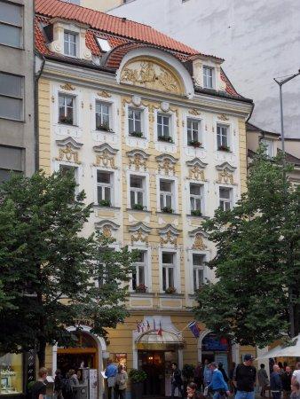 Adria Hotel Prague: Very pretty exterior.