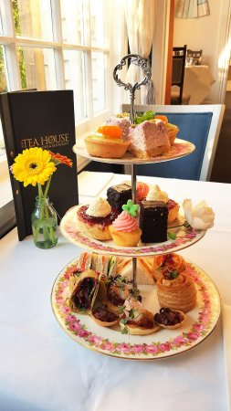 Lincoln, New Zealand: High Tea served daily