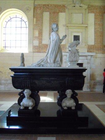 Anet, France: Tomba di Diana di Poitier