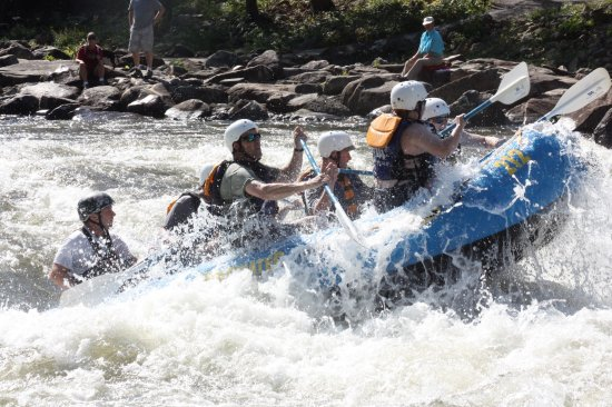 Wildwater Rafting - Ocoee : Bystanders got the show they were looking for in the Olympic Section