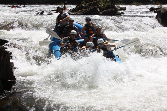 Wildwater Rafting - Ocoee : Still lots of huge waves on the Middle Ocoee
