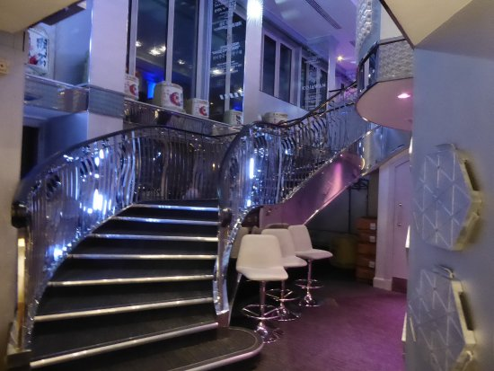 sky 23 bar top of hilton brand new - Picture of Hilton ...