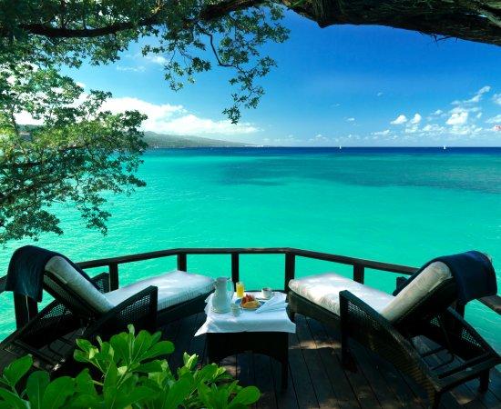 Jamaica Inn: Cottage 3 Deck