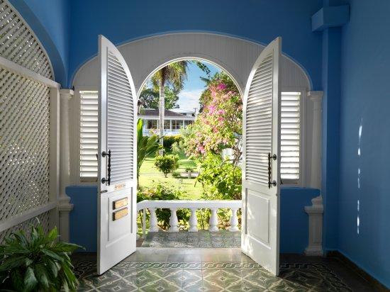 Jamaica Inn: White Suite Entrance
