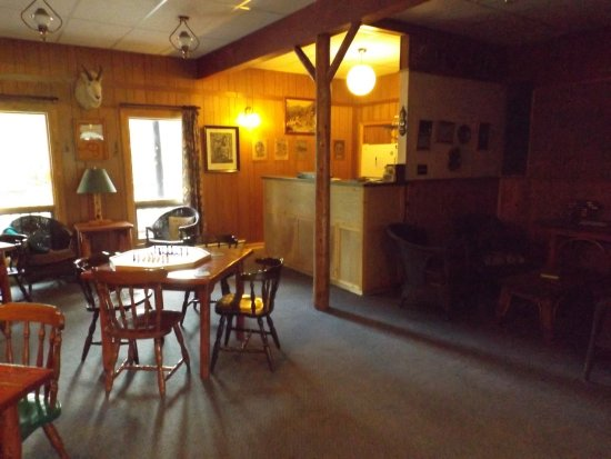 Black Cat Guest Ranch: Bar area