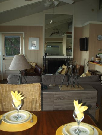 Orcas, WA: Cozy Livng Room area