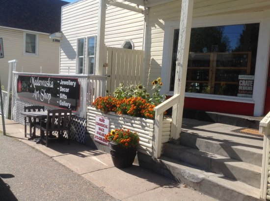 Madawaska Art Shop : Exterior of store