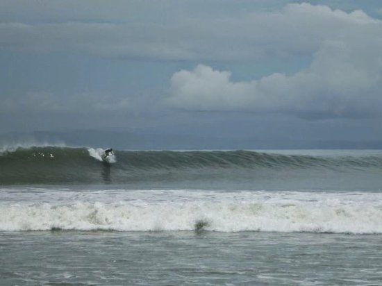 Pavones, Costa Rica: Shawn showing how it's done