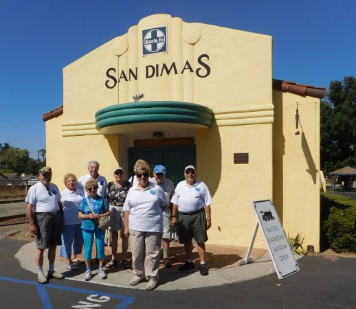 San Dimas, Калифорния: Lovin' Levelers RV Club at the Pacific Railroad Society Museum