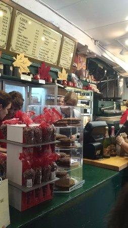 Rochester Hills, MI : Cashier Counter