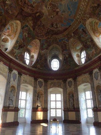 Vranov nad Dyji, Tjekkiet: image-0-02-01-f43d6cc7afa259680a0c8a263a37e8d31f1f29c814b067838f649f7789bf19eb-V_large.jpg
