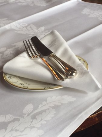 Rotherwick, UK: Silver service