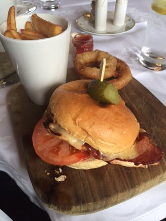 Rotherwick, UK: Chicken Burger Meal at Tylney Hall Hotel. Very tasty!