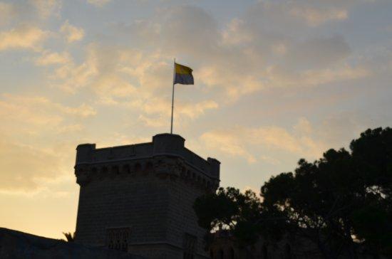 Torre del homenaje, amanecer