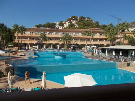 Mon Port Hotel & Spa: First floor balcony view across the 3 pools (infinity pools?)